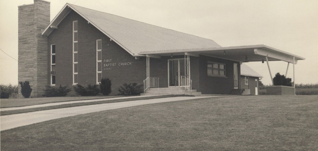 Church on East Lincoln as it appeared in 1960